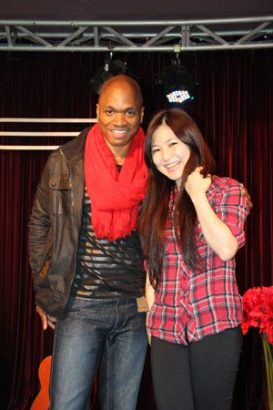 huong tram cuoi tit mat ben thi sinh the voice my hinh anh 3