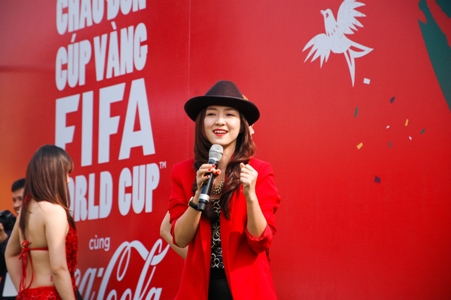 ha noi don cup vang world cup trong ngay dau nam moi hinh anh 9