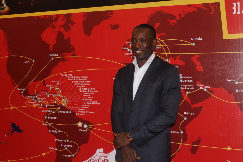 "dwight yorke: ""viet nam se som co mat o world cup"" hinh anh 1"