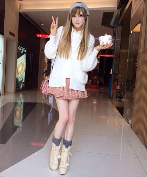 """giat minh thay... """"bup be song barbie"""" tren mang hinh anh 3"""