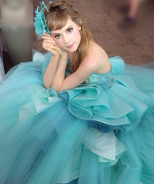 """giat minh thay... """"bup be song barbie"""" tren mang hinh anh 12"""