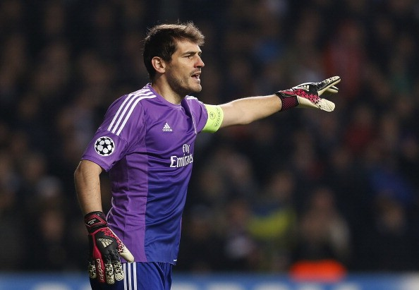 casillas thiet lap ky luc trong mau ao real hinh anh 1