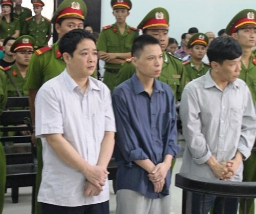 vu tham o khi sua u noi 83m: giam an cho 3 bi cao hinh anh 1