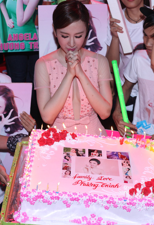 phuong trinh duoc fan to chuc sinh nhat tuoi 20 hinh anh 3