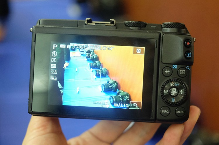 """can canh canon eos m3 sap """"do bo"""" ve viet nam hinh anh 4"""