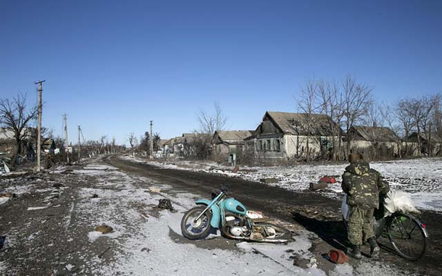 "ukraine: cuoc song tam toi ben trong ""thanh pho chet"" debaltseve hinh anh 2"