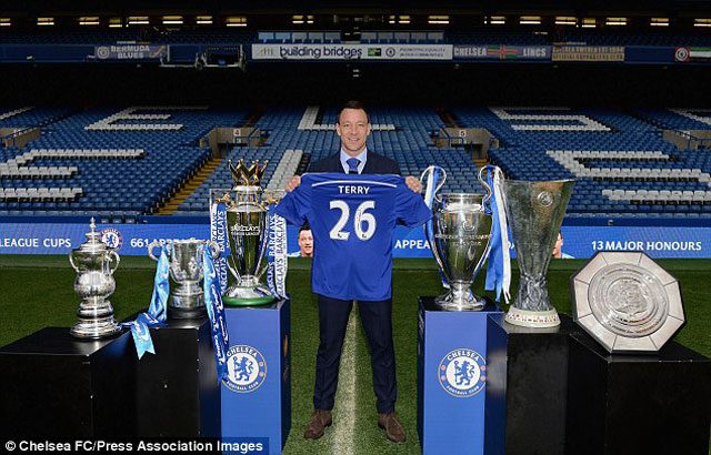 terry chinh thuc gia han hop dong voi chelsea hinh anh 1