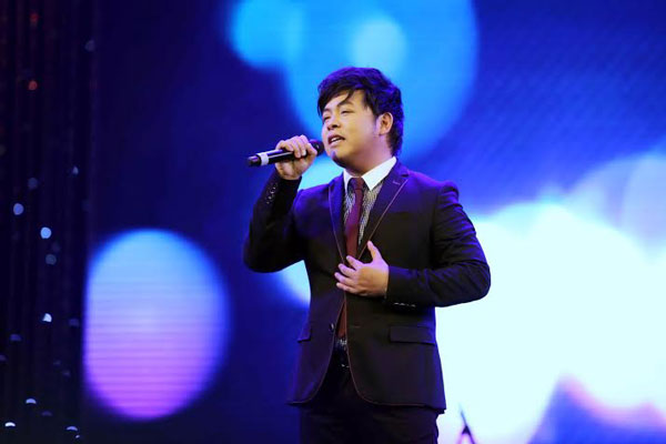 quang le 'doi' song ca 'vo nguoi ta' voi phan manh quynh hinh anh 1