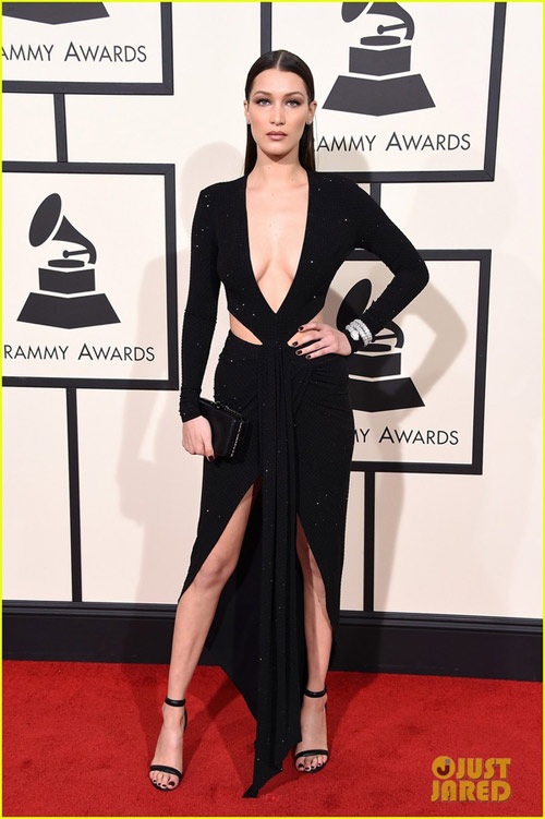taylor swift tung vay khoe noi y tren tham do grammy hinh anh 8