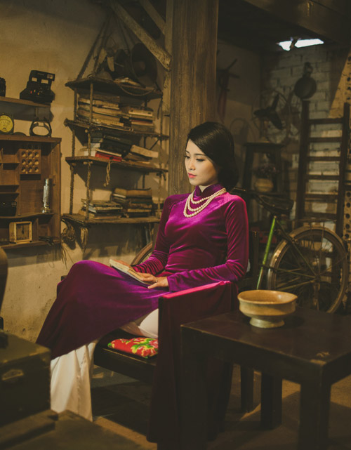 a khoi luu ly khoe ve co dien trong ta ao dai hinh anh 4