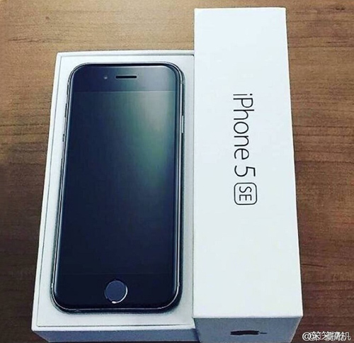 anh iphone 5se trong hop dung la gia hinh anh 1