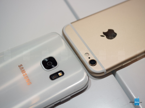 so sanh samsung galaxy s7 va iphone 6s: can tai, can suc hinh anh 6
