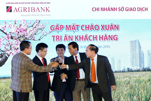 chi nhanh so giao dich agribank tri an khach hang hinh anh 1