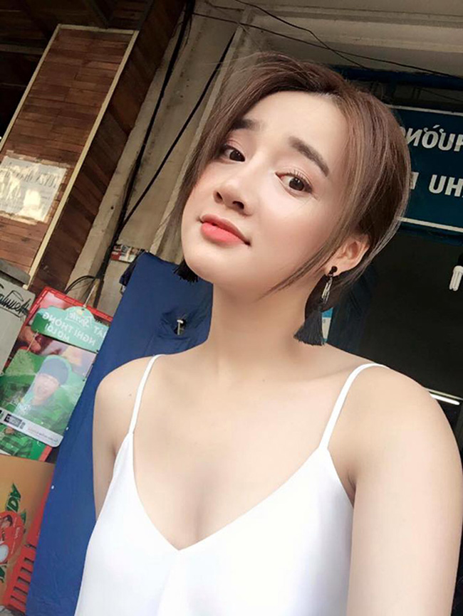 "muon biet 4 my nhan nay ""bom nguc"" khong, chi can luc anh 10 nam truoc hinh anh 19"