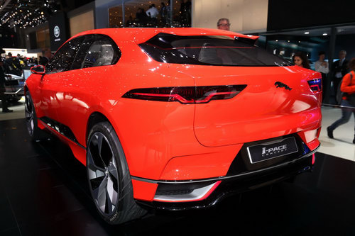 "jaguar i-pace ""thach thuc"" truc tiep tesla model x hinh anh 3"