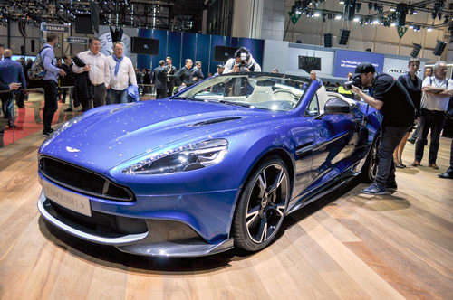 aston martin vanquish s volante 2018 gia 7,1 ty dong hinh anh 1