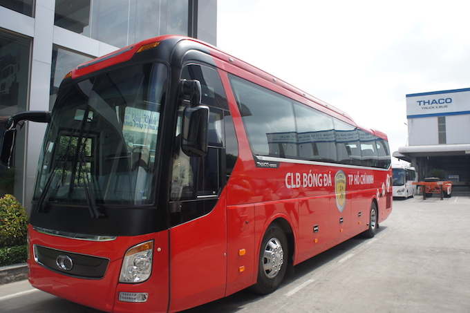 can canh sieu xe bus tri gia 3,5 ty dong cua clb tp hcm hinh anh 4