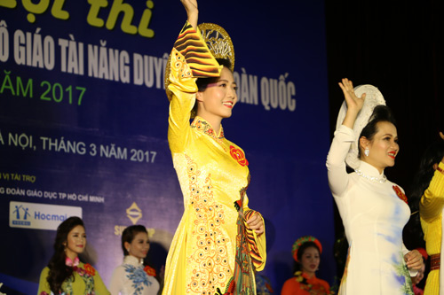 co giao xinh nhat truong amsterdam gianh hoa khoi giao vien toan quoc hinh anh 12