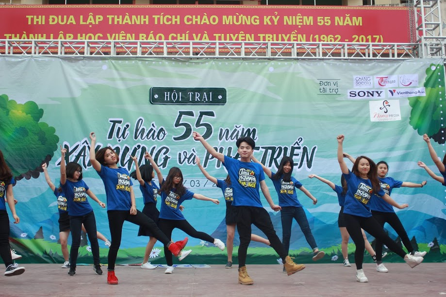 chum anh: ruc chay suc song tuoi thanh nien hinh anh 1