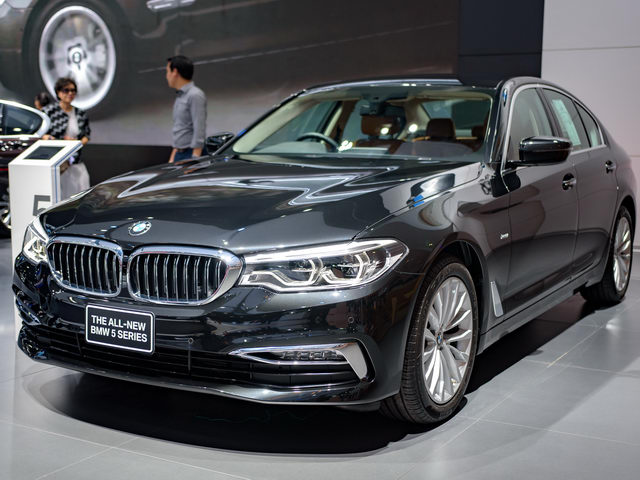 bmw 5-series 2017 chot gia 2 ty dong tai dong nam a hinh anh 1