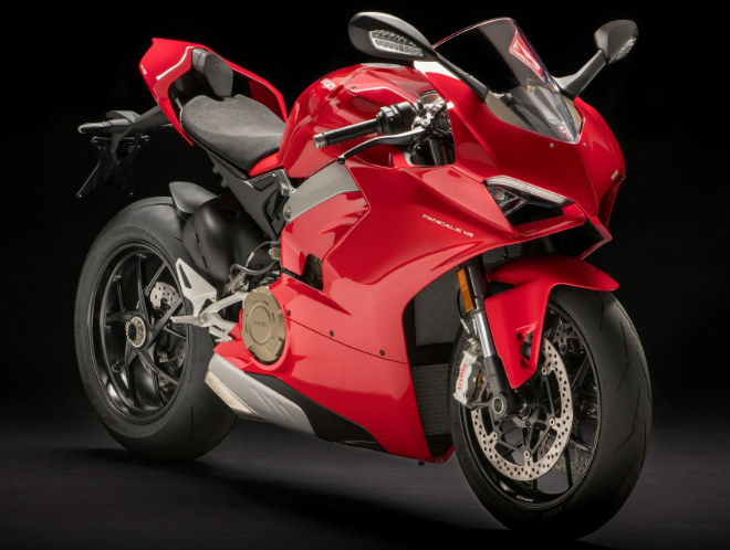 2018 ducati panigale v4 nhan dat truoc, dat nhat toi 2 ty dong hinh anh 1