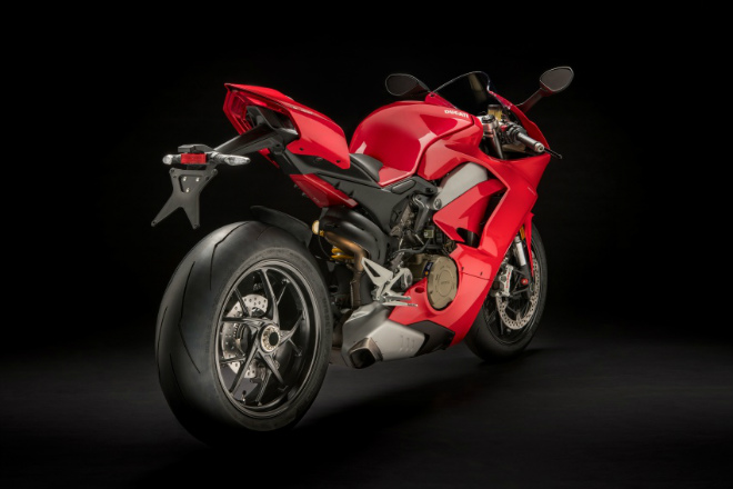 2018 ducati panigale v4 nhan dat truoc, dat nhat toi 2 ty dong hinh anh 2
