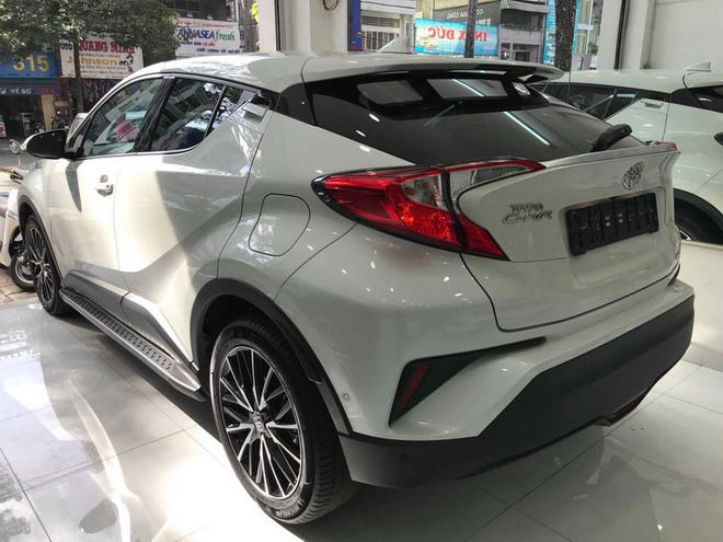 toyota c-hr ve viet nam voi gia gan 1,8 ty dong hinh anh 3