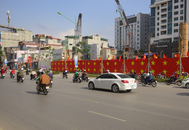 anh: duong pho ha noi ruc do co to quoc truoc tran chung ket u23 vn hinh anh 1