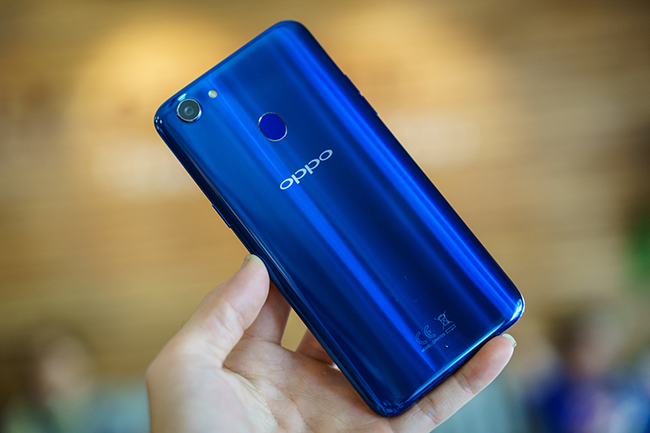 """dap hop"" oppo f5 phien ban mau xanh thach anh chao xuan 2018 hinh anh 4"