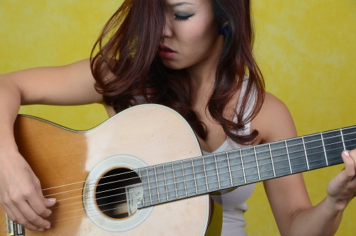 nghe si guitare le thu: tet nay con khong ve! hinh anh 4