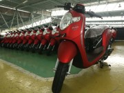 o to - Xe may - Honda Scoopy 2018: do hoa moi, mau sac moi, gia ca phai chang
