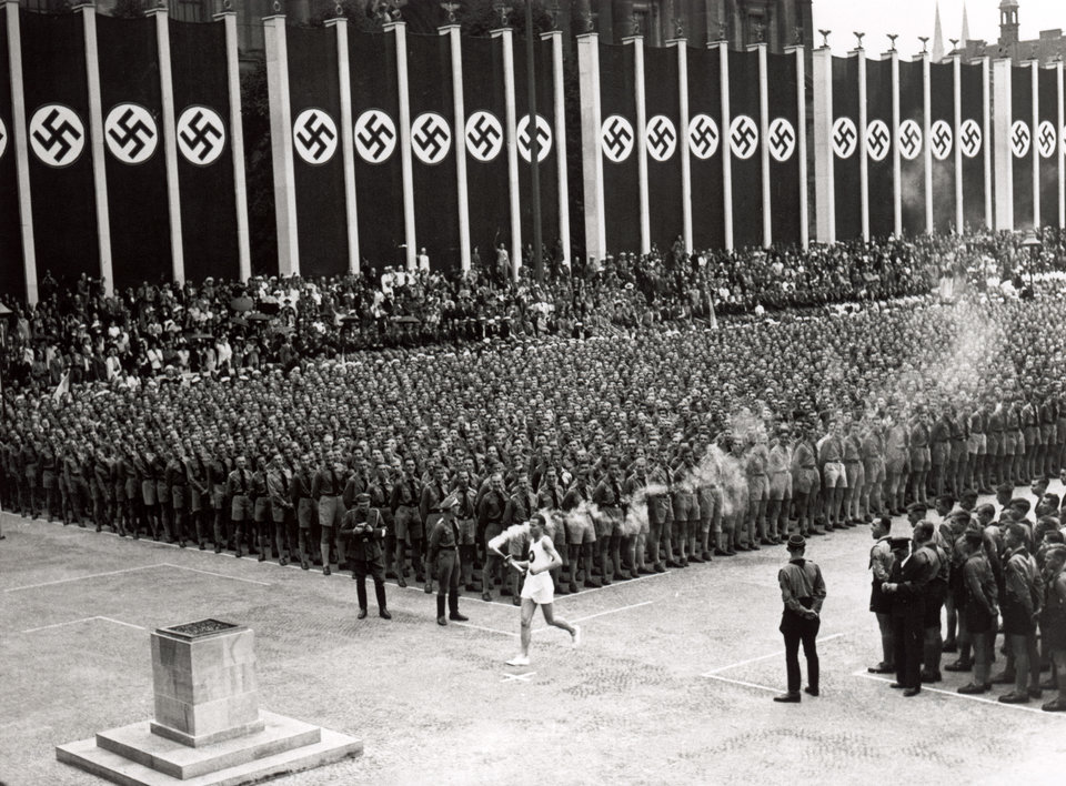 chum anh lich su: ngoi lang olympic cua adolf hitler hinh anh 5