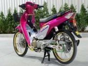 Honda Wave 125 do phanh dua, vanh vang cuon hut