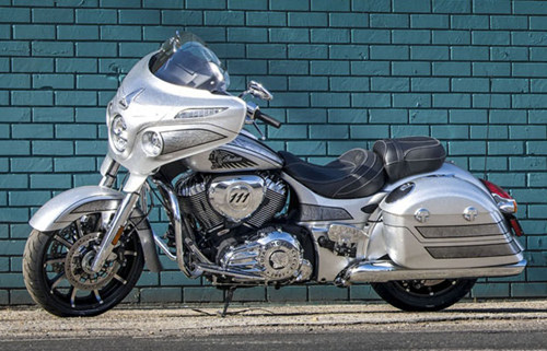indian chieftain elite 2018 day uy phong trong mau son moi hinh anh 3