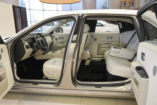 roll-royce ghost phong cach hoi giao hinh anh 6