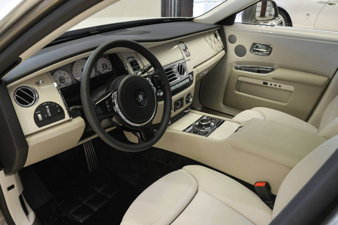 roll-royce ghost phong cach hoi giao hinh anh 9