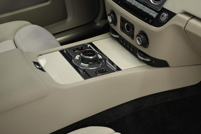 roll-royce ghost phong cach hoi giao hinh anh 12