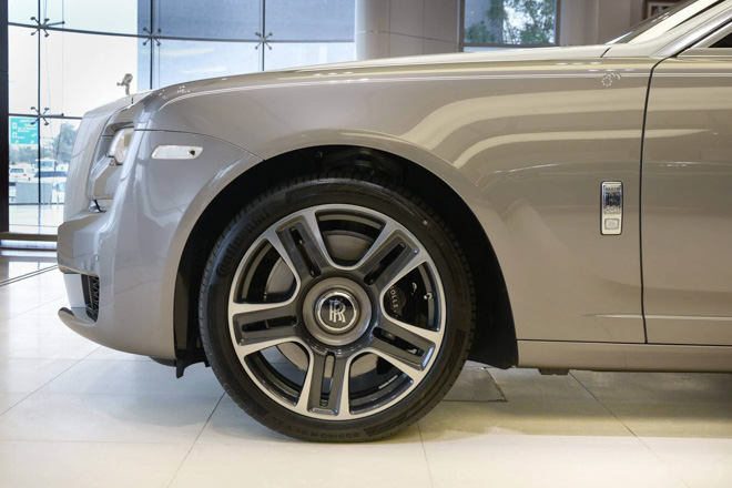 roll-royce ghost phong cach hoi giao hinh anh 3