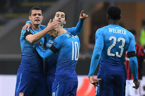 ket qua luot di vong 1/8 europa league: arsenal thang thuyet phuc hinh anh 1