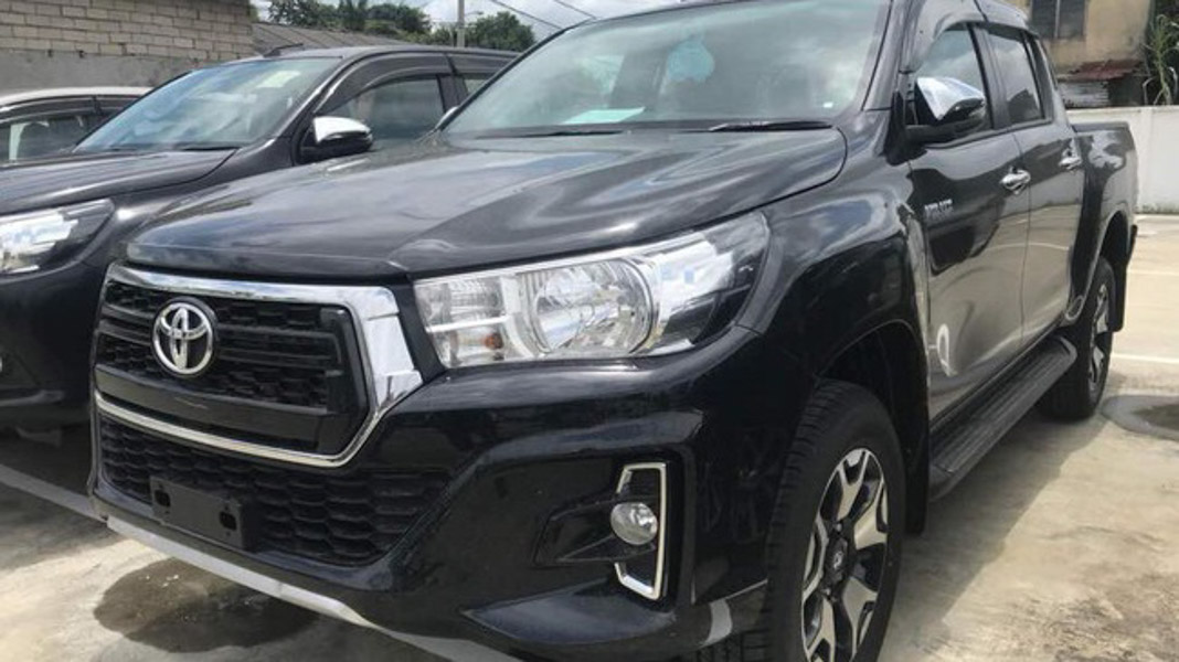 toyota hilux 2018 xuat hien tai malaysia mang phong cach cua toyota tacoma hinh anh 1