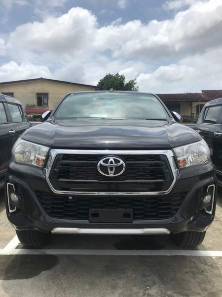 toyota hilux 2018 xuat hien tai malaysia mang phong cach cua toyota tacoma hinh anh 2