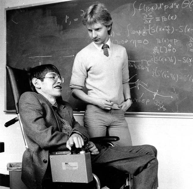 "su that ve can benh khong thuoc chua ""giet dan giet mon"" thien tai vat ly stephen hawking hinh anh 1"
