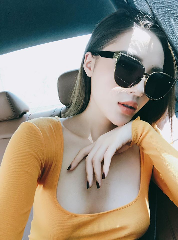 "hh ky duyen tung anh vong mot day dan so voi anh cu nguc ""boc hoi"" hinh anh 2"