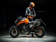 2018 KTM Duke 790 ruc rich ve dong Nam a, gia kha chat