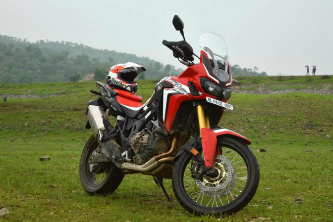 chon 2018 triumph tiger 800 xcx hay honda africa twin? hinh anh 5