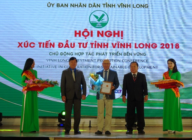 "thu tuong: vinh long can lien ket ""6 nha"" de lam nong nghiep cong nghe cao hinh anh 1"