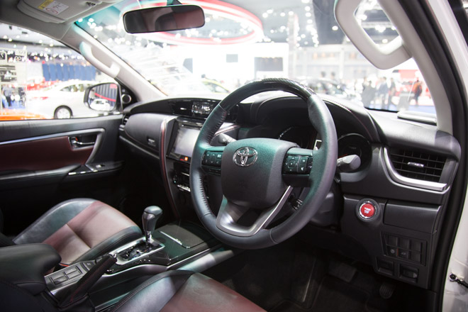 chiem nguong toyota fortuner trd sportivo: cuc ngau, cuc the thao hinh anh 5