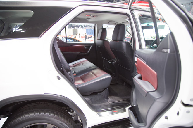 chiem nguong toyota fortuner trd sportivo: cuc ngau, cuc the thao hinh anh 7