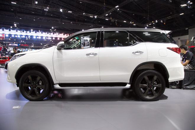 chiem nguong toyota fortuner trd sportivo: cuc ngau, cuc the thao hinh anh 2