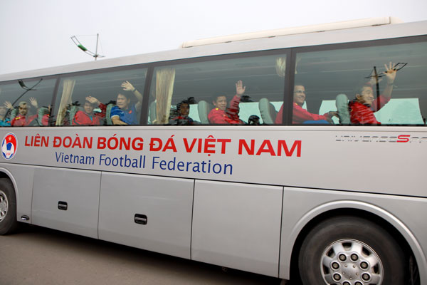 dtqg viet nam duoc vinh danh ngay tro ve sau asian cup 2019 hinh anh 5